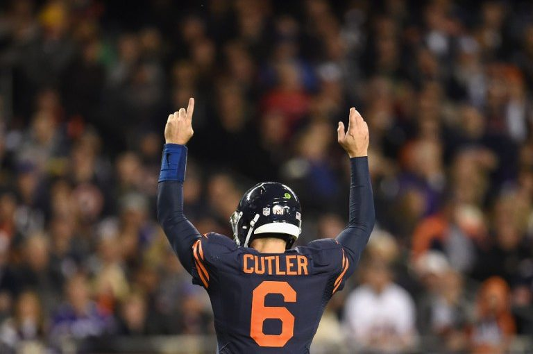 Jay Cutler's return sparks team as Bears beat Vikings